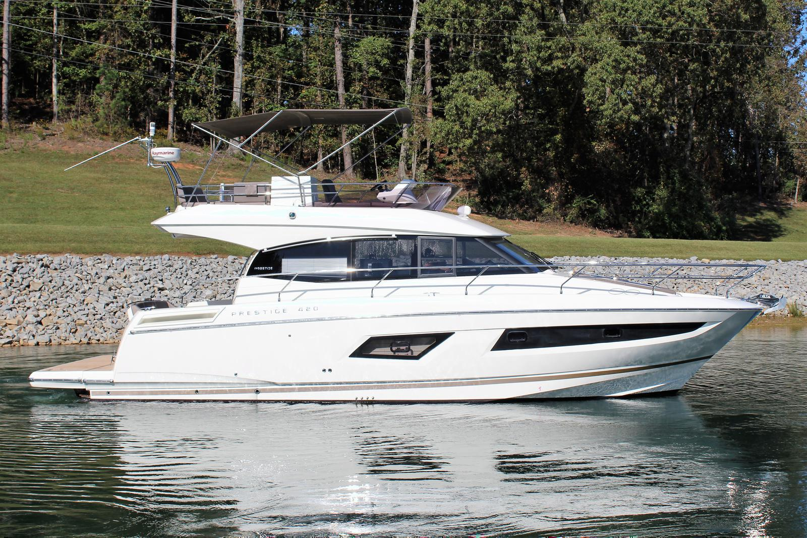 Prestige Yachts 420 FB