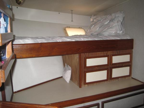 Starboard V berth and storage