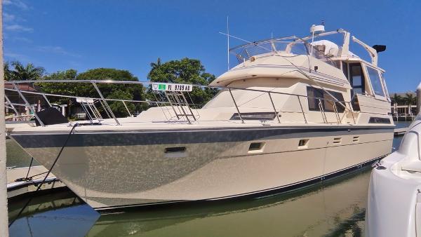 Hi-star 48 Sundeck Motor Yacht