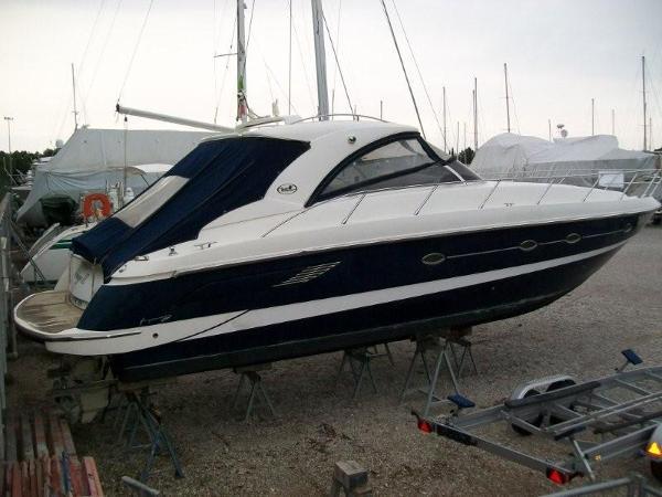 Blu Martin 43 HT Suntop Blu Martin 43 HT Suntop year 2006 - Timone Yachts Dealer