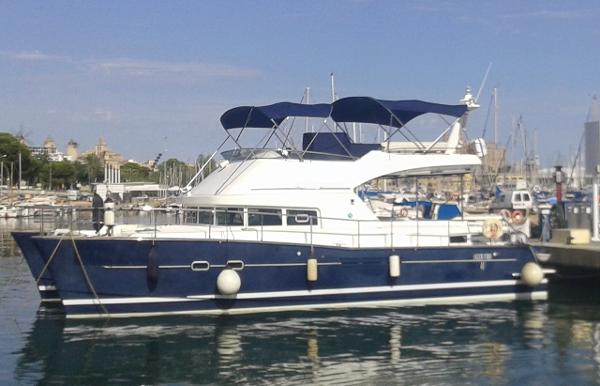 Lagoon 44 Power Cat Afloat