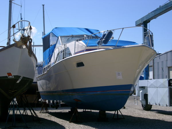 Chris-Craft 350 Catalina Photo 1