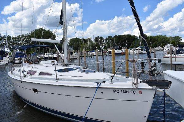 Hunter 36 Starboard