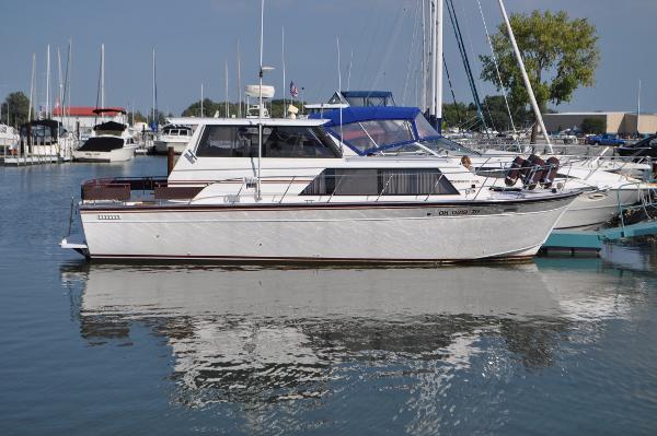 Marinette 32 Express Hard Top Starboard Side Docked