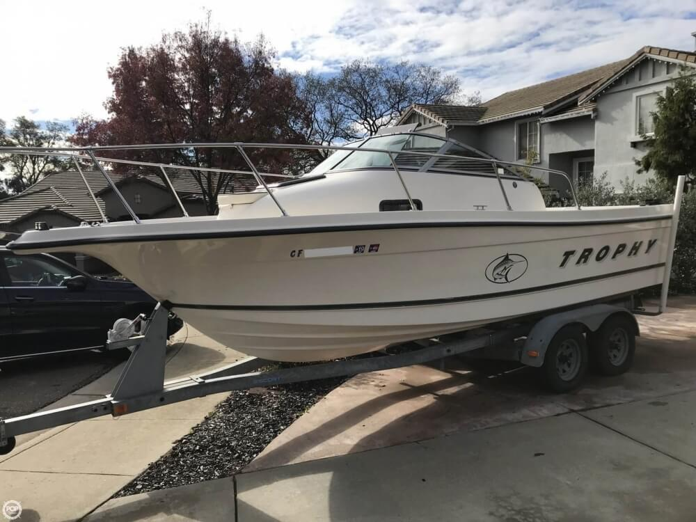 Trophy 2052 Walkaround 2000 Bayliner 21 for sale in El Dorado Hills, CA