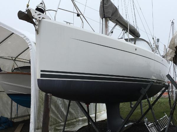 Hanse 345 Hanse 345 - Bow