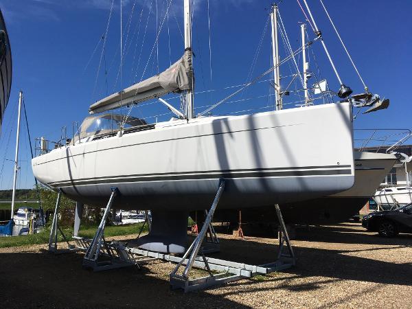 Hanse 345 Hanse 345 - Starboard Side