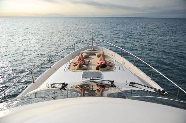 Aqualiner 77 Deck