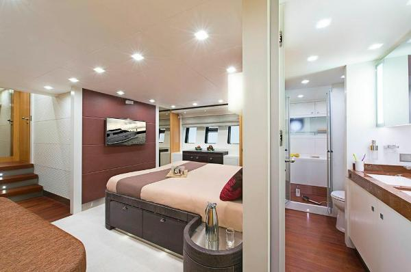 Aqualiner 77 Cabin