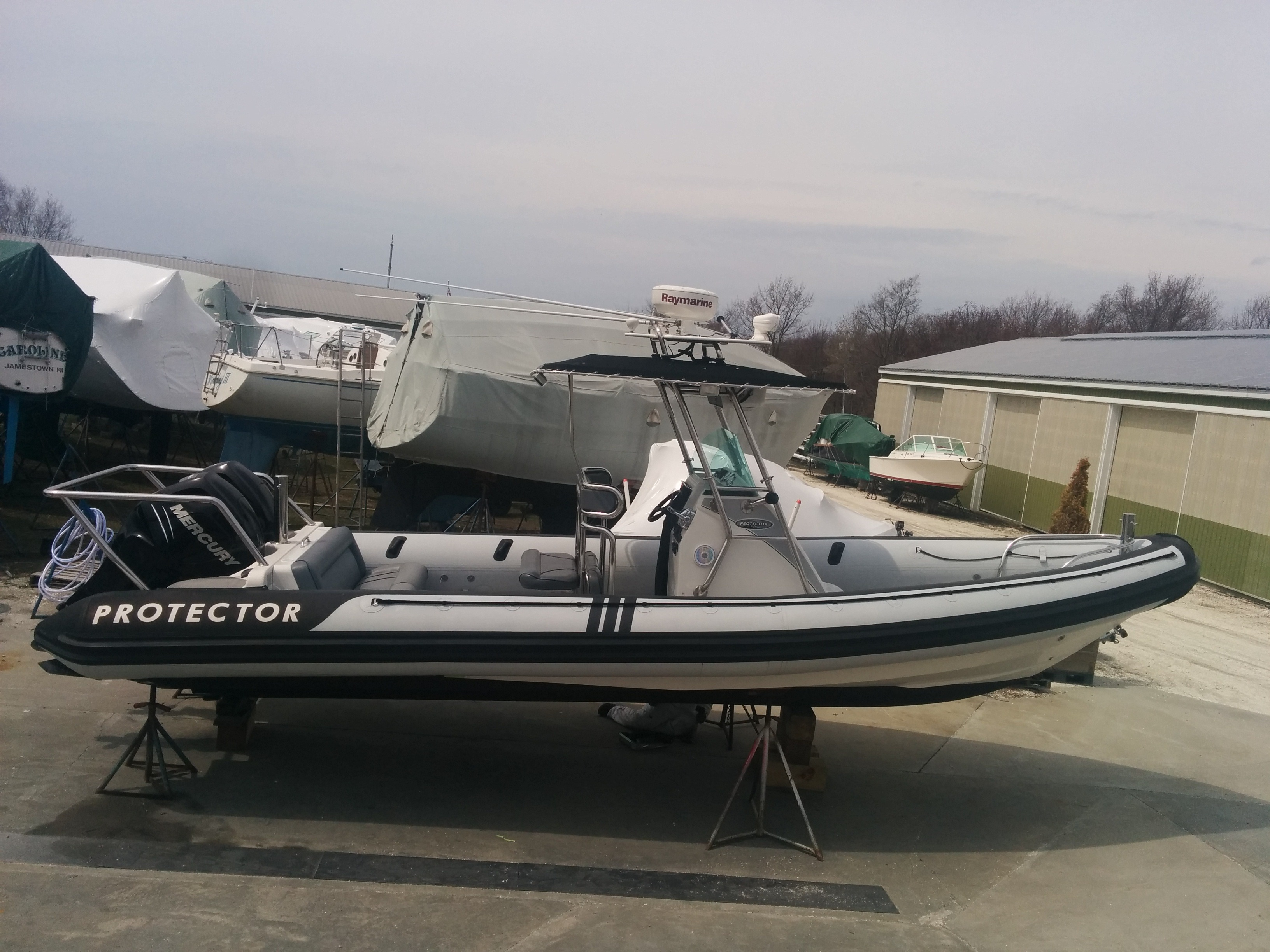 Protector 28ft center console