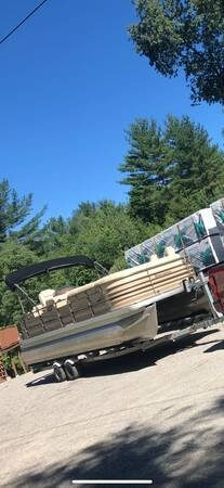 Sanpan 2500 FE 2006 Godfrey Pontoon Sanpan 2500 FE for sale in Mercer, ME