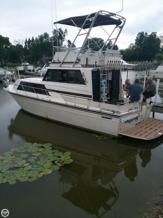 Marinette SEDAN FLYBRIDGE 1986 Marinette Sedan Flybridge for sale in Au Gres, MI