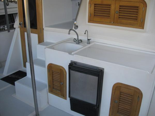 Wet bar on aft deck