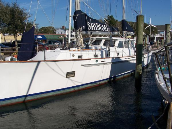 Custom Ketch Twin Keel