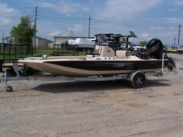 Freshwater fishing lowe boats for sale for Freshwater fishing boats