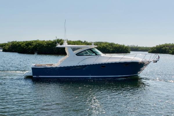 Tiara 4300 Open Profile