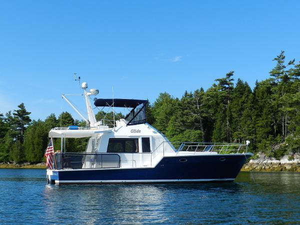 Island Pilot 395 Single Cabin Fast Trawler