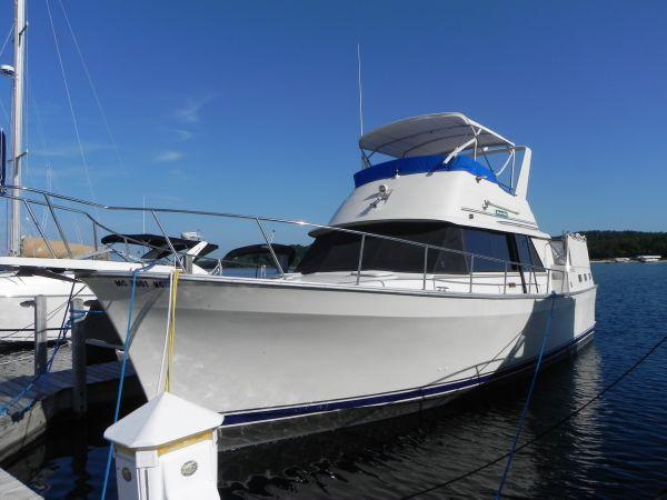 Mainship 40 Double cabin (Nantucket) .In slip port side