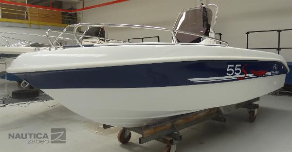 Custom Trimarchi 55 Syros (Package Mercury) DSC02468