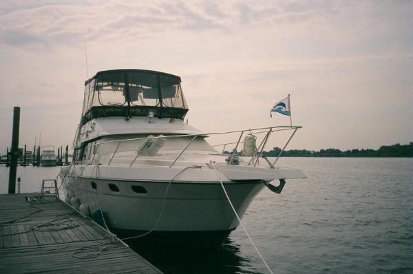 Silverton 37 Motor Yacht 37 Silverton Motor Yacht 1989