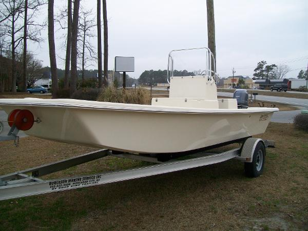 Jones Brothers 198 Bateau Classic