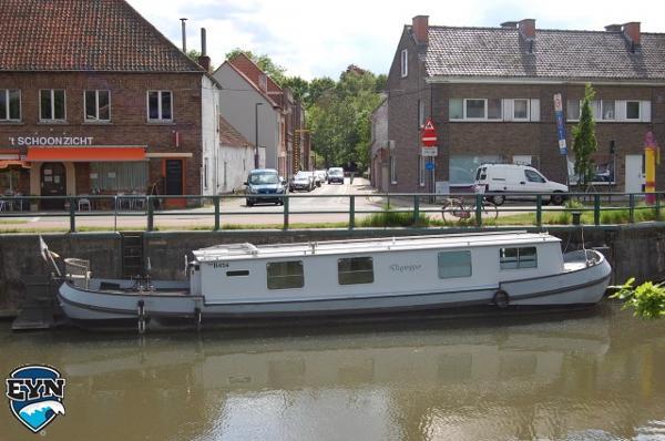 Tjalk 15m Houseboat Tjalk 15m Houseboat
