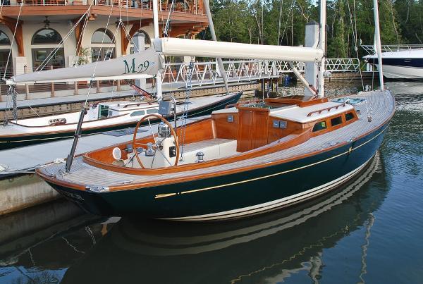 Morris Yachts M36 Daysailer Irish Uke
