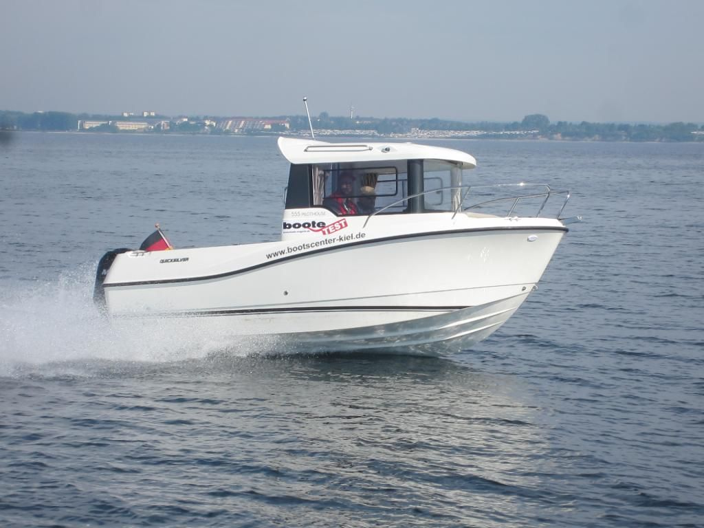 Quicksilver 555 Pilothouse  115 PS MESSEBOOT