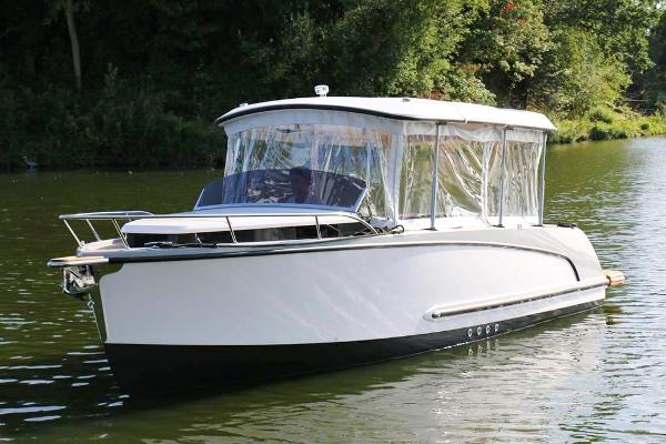 Alfastreet Marine 23 Cabin Electric Prestige Line