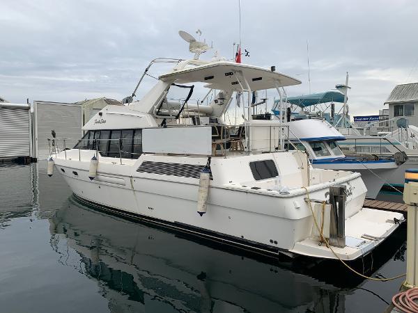 Bayliner 4587 Cockpit Motoryacht