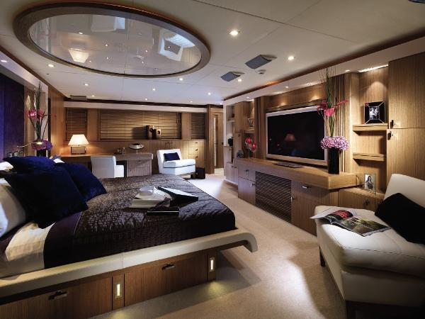 Sunseeker 130 Sport Yacht Owner's Stateroom