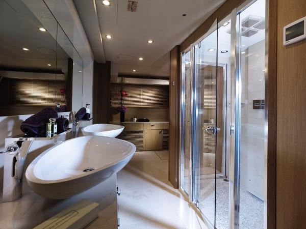 Sunseeker 130 Sport Yacht Owner's Ensuite