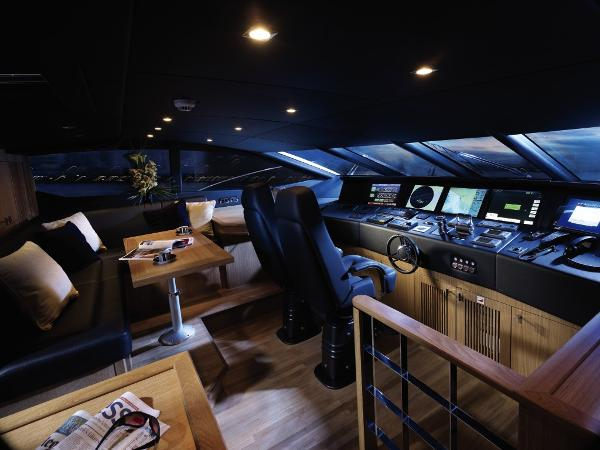 Sunseeker 130 Sport Yacht Helm