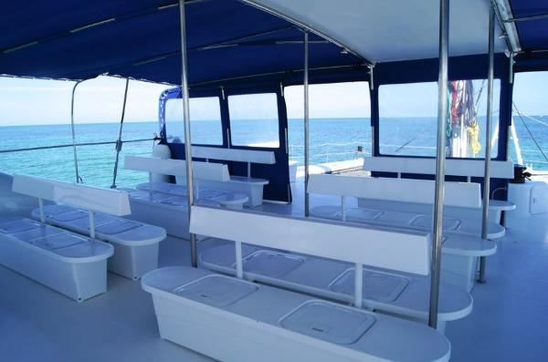 Fountaine Pajot Taiti Day Charter 80 Seating