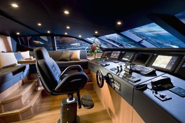 Sunseeker 115 Sport Yacht Helm