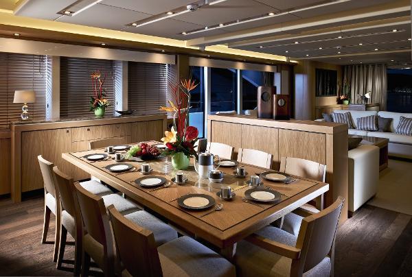 Sunseeker 115 Sport Yacht Dining