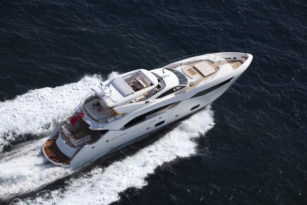 Sunseeker 115 Sport Yacht Cruising