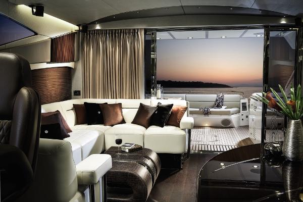 Sunseeker 68 Sport Yacht Saloon