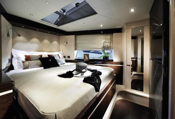 Sunseeker 68 Sport Yacht Master Cabin
