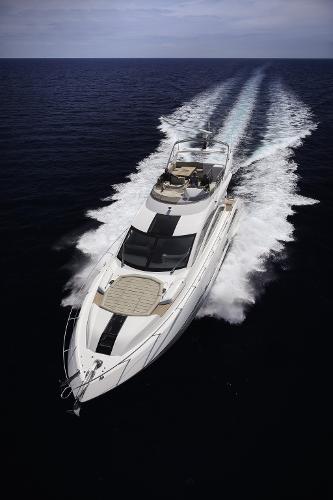 Sunseeker 68 Sport Yacht Cruising