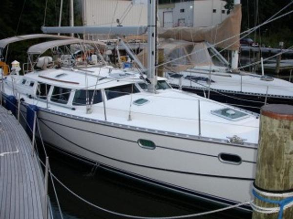 Jeanneau Sun Odyssey 43 DS AT DOCK