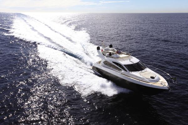 Sunseeker Manhattan 63 Cruising