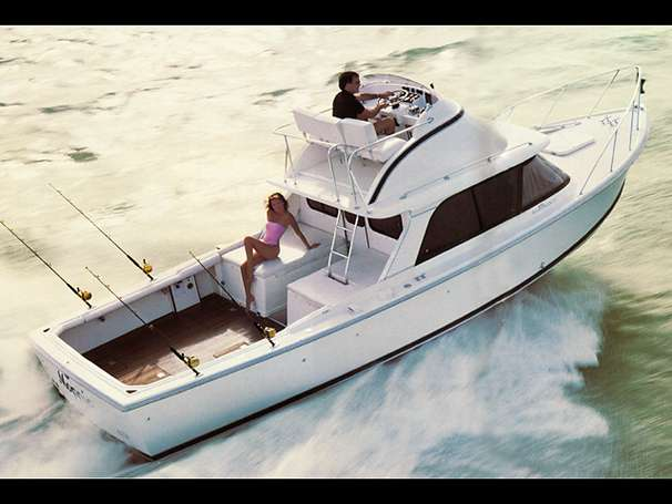 Bertram 31 Flybridge Cruiser Manufacturer Provided Image