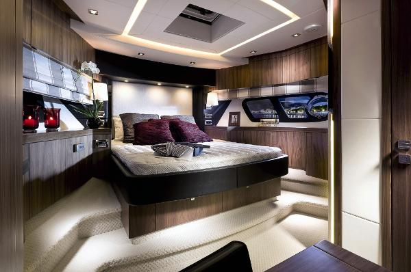 Sunseeker Manhattan 73 Forward Cabin
