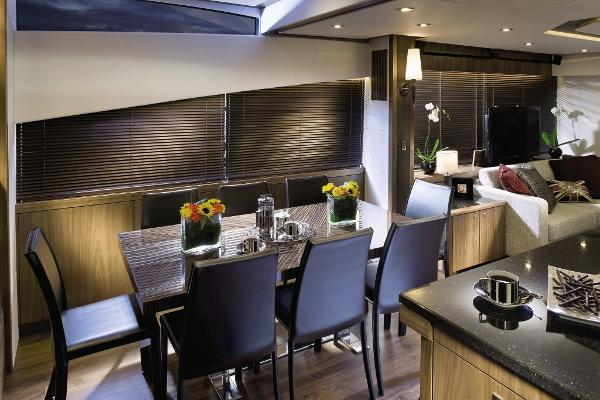 Sunseeker Manhattan 73 Dining