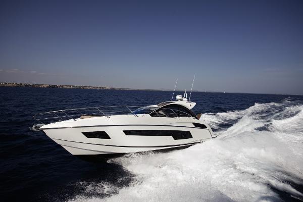 Sunseeker Portofino 40 Cruising