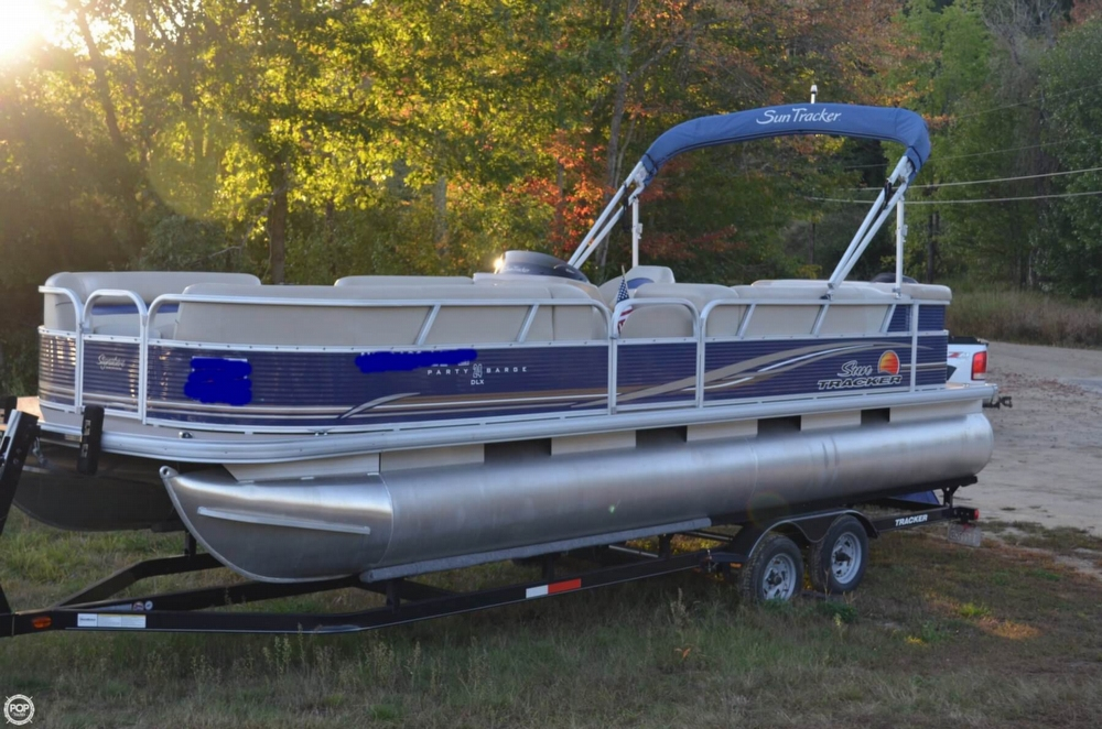 Sun Tracker Party Barge 24 DLX Signature 2012 Sun Tracker Party Barge 24 DLX Signature for sale in Center Barnstead, NH