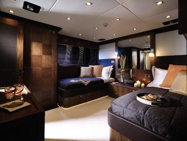 Sunseeker 40M Yacht Guest Twin Cabin