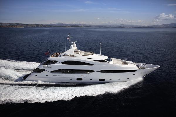 Sunseeker 40M Yacht Cruising