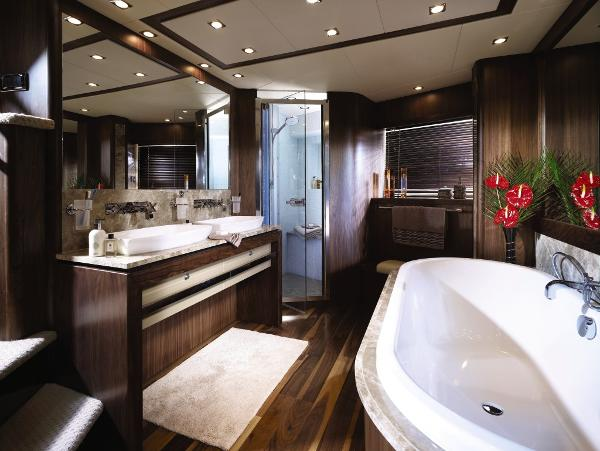 Sunseeker 34M Yacht Owner's En Suite